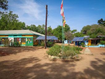 Die Schule lebt ökologische Grundsätze und produziert ihren eigenen Strom