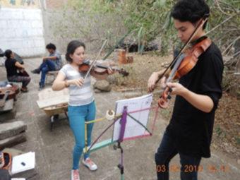 Im Tlaloc können die Jugendlichen zusammen sein, zusammen lernen und zusammen spielen.