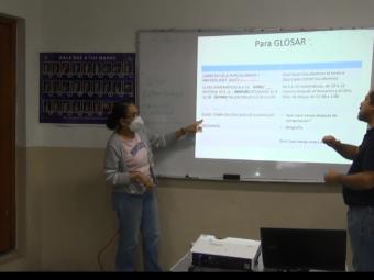 Vorbereitungen einer Aufnahme für die Onlineschulung in Gebärdensprache